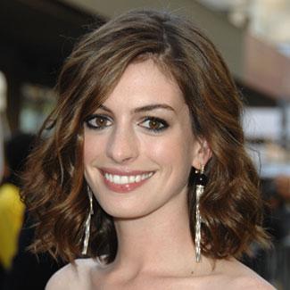 Anne Hathaway wears a layered, long bob. -Single length hair with deep