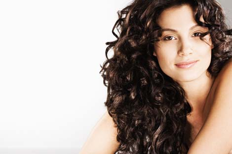 curly hair hair style trends and tips