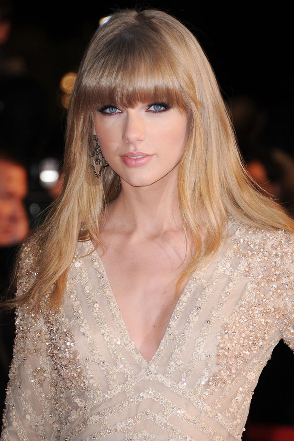 taylor swift thick bangs style