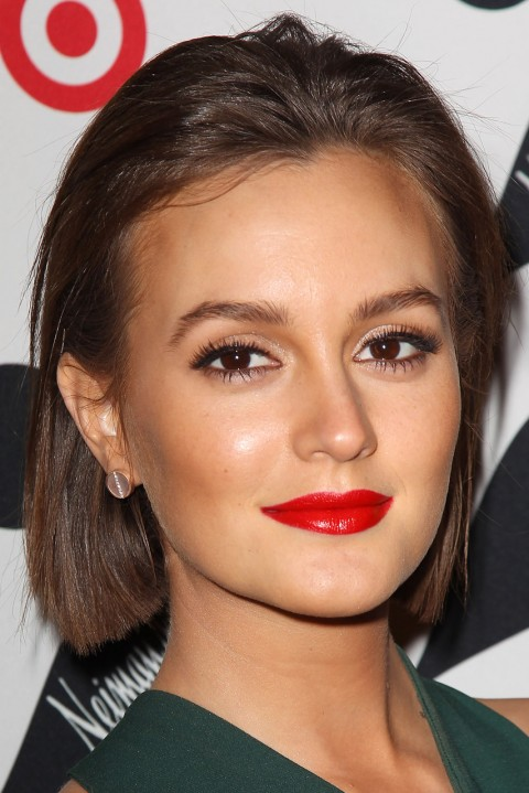 LeightonMeester back combed straight bob